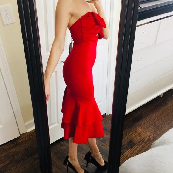 db906ffceb172 NEW Classic Red Trumpet Midi Bow Tie Event Dress. M_5abe7bef2c705d1b4525ac72